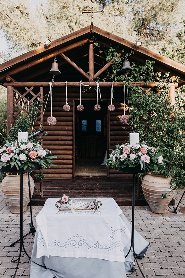 rustic-summer-wedding-athens-roses-white-dusty-pink-hues_12