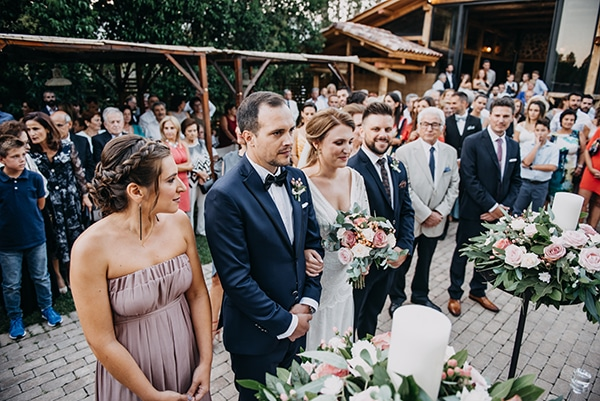 rustic-summer-wedding-athens-roses-white-dusty-pink-hues_22