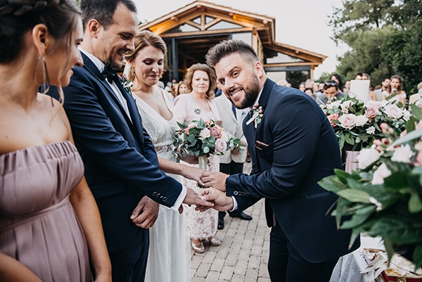 rustic-summer-wedding-athens-roses-white-dusty-pink-hues_23