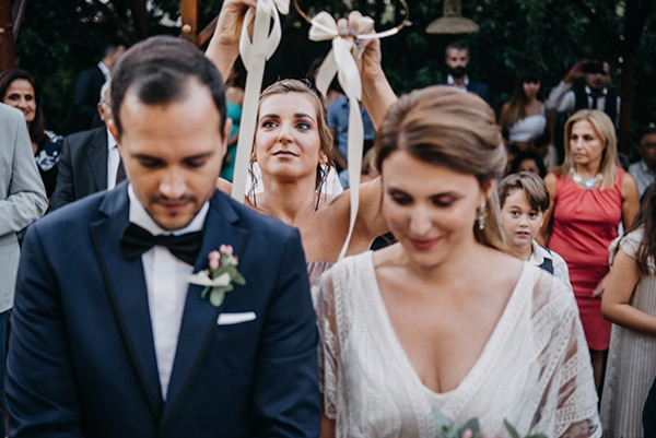 rustic-summer-wedding-athens-roses-white-dusty-pink-hues_24