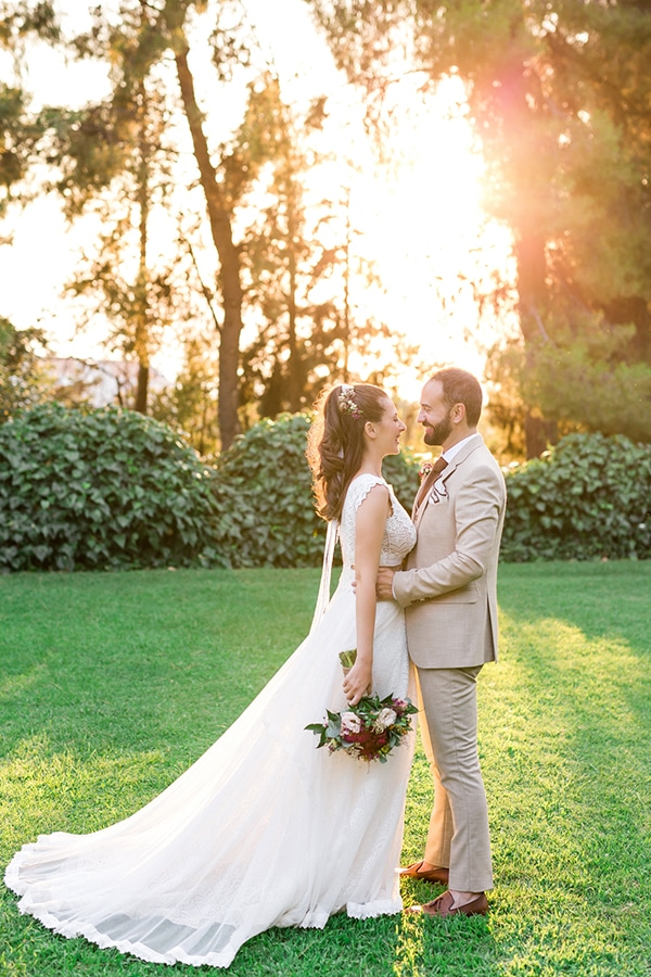 rustic-summer-wedding-thessalonik-vivid-hues-fucshia_03