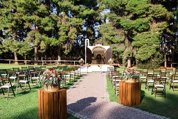 rustic-summer-wedding-thessalonik-vivid-hues-fucshia_10