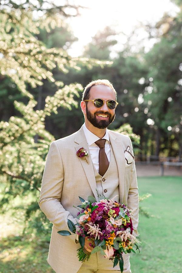 Νυφική ανθοδέσμη με λεβάντα και άλλα πολύχρωμα λουλούδια