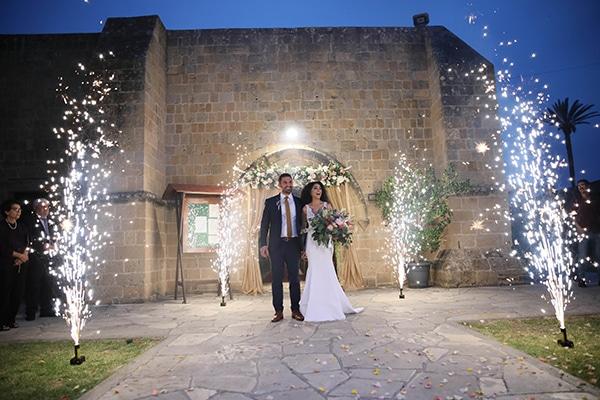 spring-wedding-nicosia-romantic-details-stunning-floral-design_13