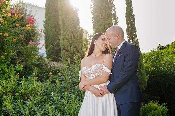 summer-military-wedding-athens-lush-floral-design-romantic-details_05x