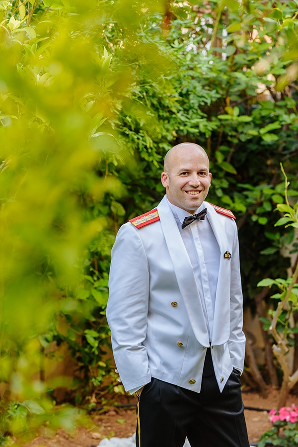 summer-military-wedding-athens-lush-floral-design-romantic-details_17x