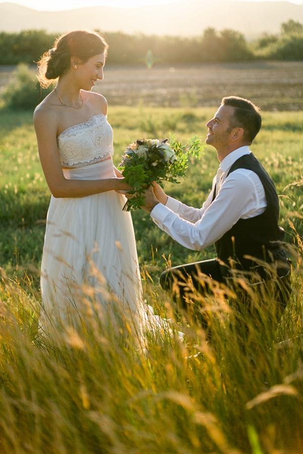summer-wedding-athens-bohemian-elements-baby-breaths_01x