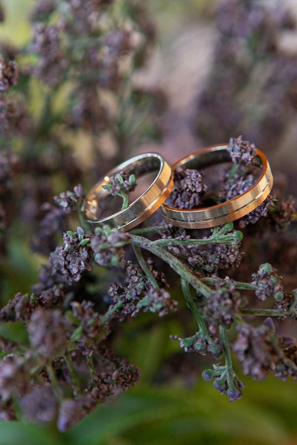 summer-wedding-athens-bohemian-elements-baby-breaths_09
