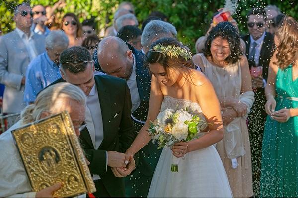 summer-wedding-athens-bohemian-elements-baby-breaths_11