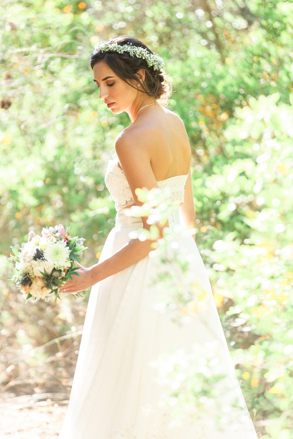 summer-wedding-athens-bohemian-elements-baby-breaths_16