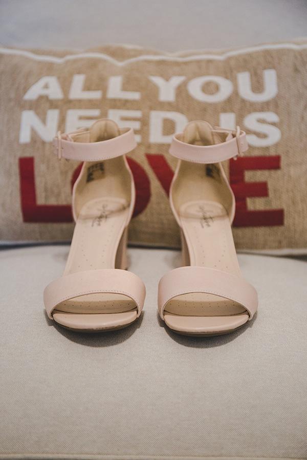 summer-wedding-athens-rink-romantic-details_05x
