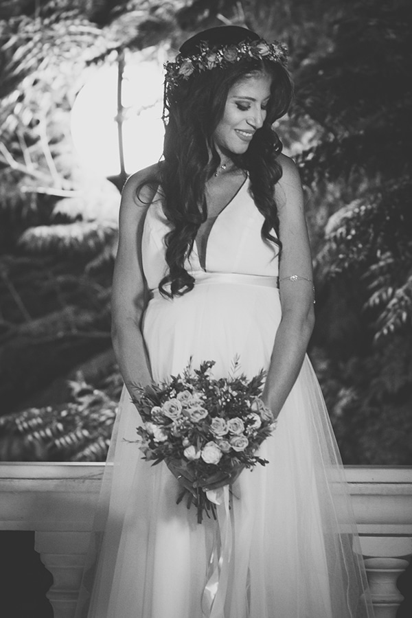 summer-wedding-athens-rink-romantic-details_10