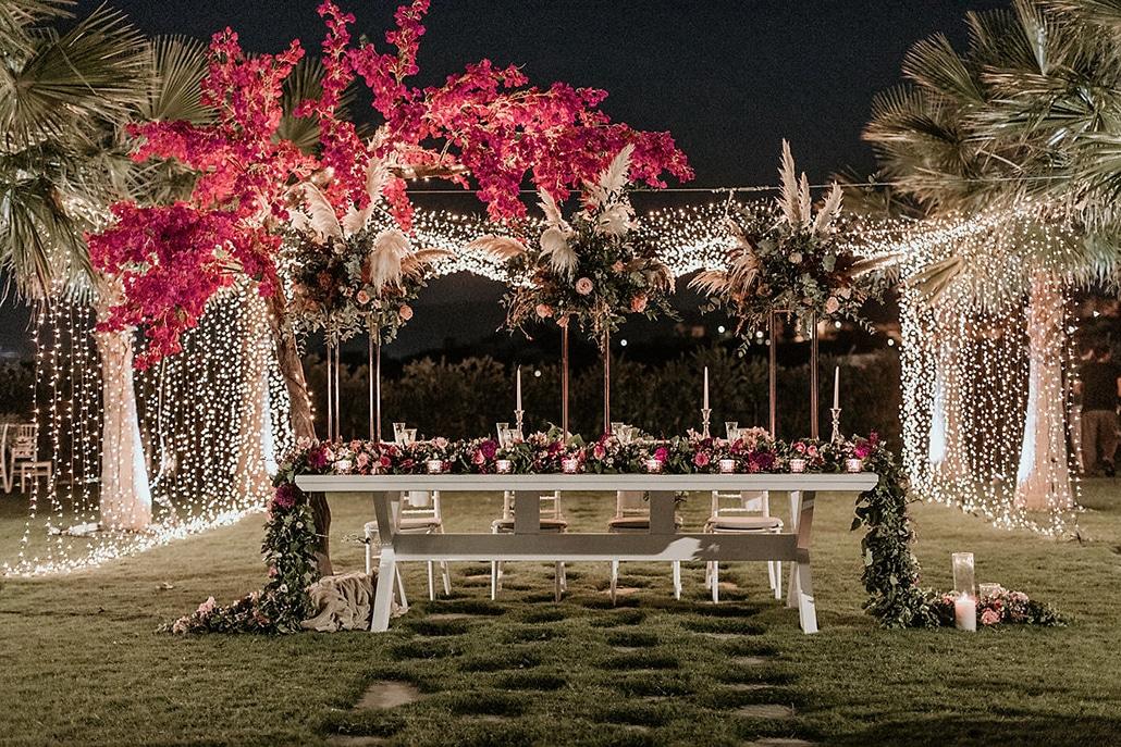 Yπέροχες ιδέες διακόσμησης για ένα ρομαντικό γάμο με εντυπωσιακό ανθοστολισμό και ατμοσφαιρικό φωτισμό