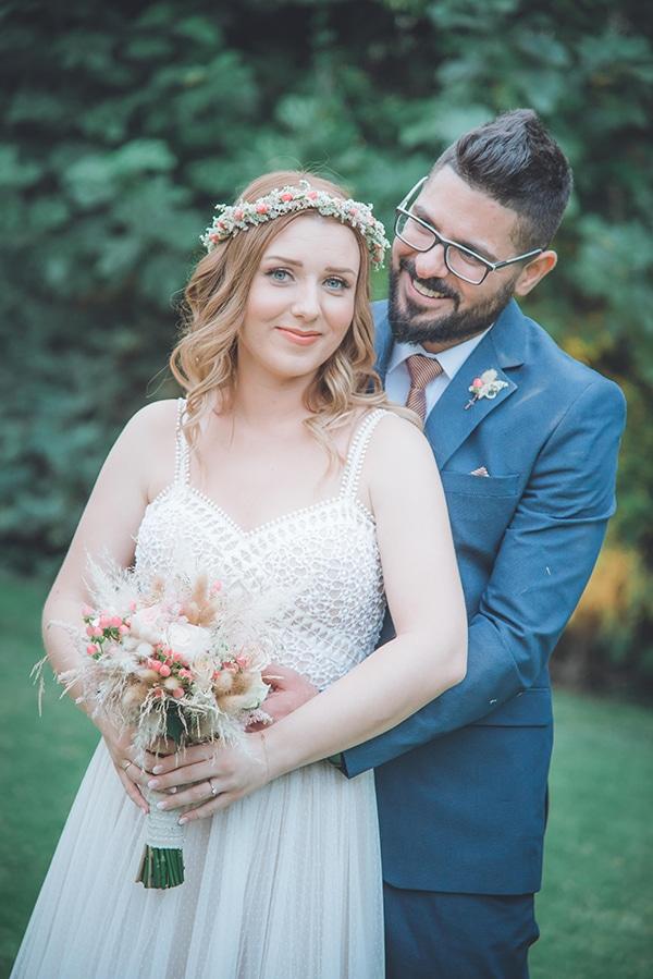 bohemian-summer-wedding-athens-pampas-grass-roses-pink-coral-hues_01