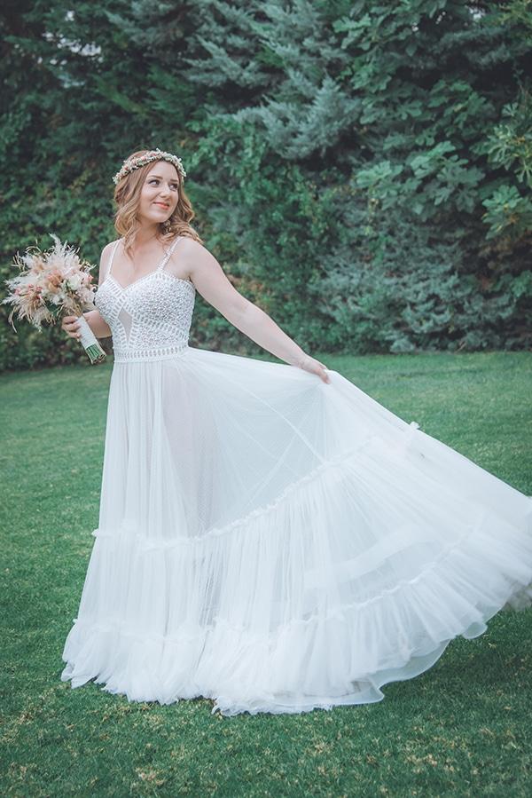 bohemian-summer-wedding-athens-pampas-grass-roses-pink-coral-hues_02