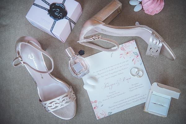bohemian-summer-wedding-athens-pampas-grass-roses-pink-coral-hues_05