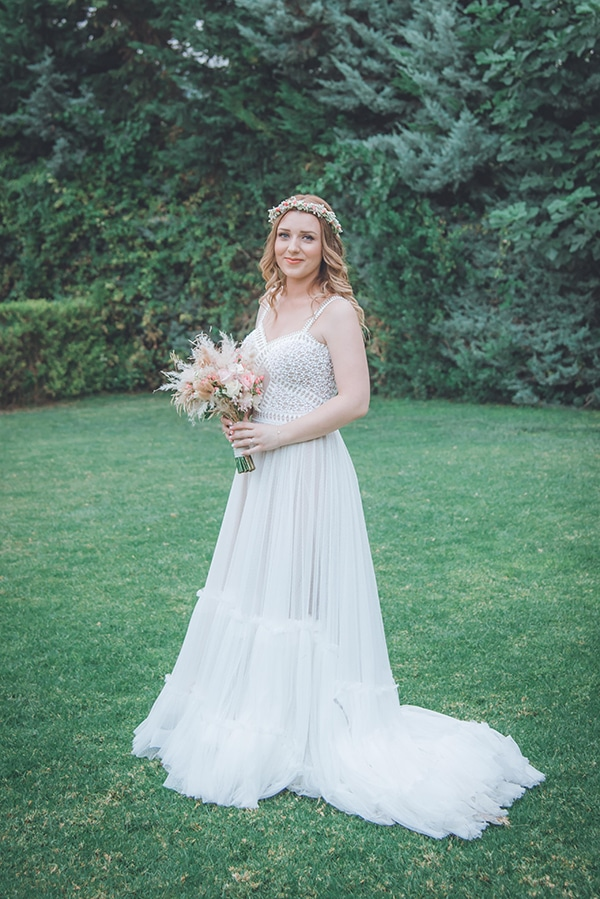 bohemian-summer-wedding-athens-pampas-grass-roses-pink-coral-hues_13x