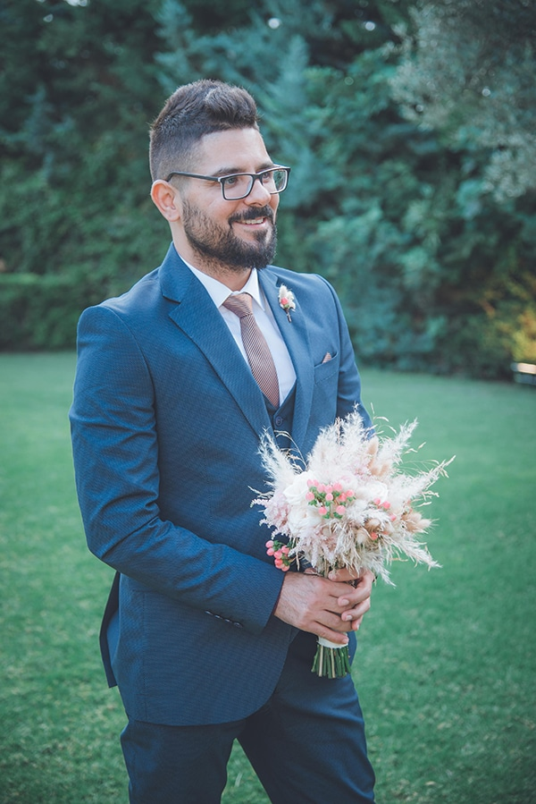 bohemian-summer-wedding-athens-pampas-grass-roses-pink-coral-hues_19z