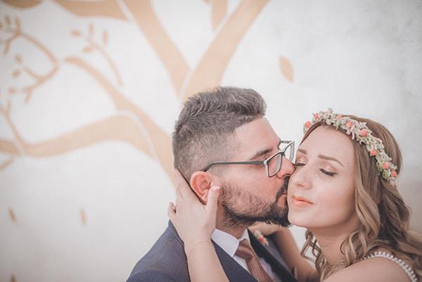 bohemian-summer-wedding-athens-pampas-grass-roses-pink-coral-hues_40x
