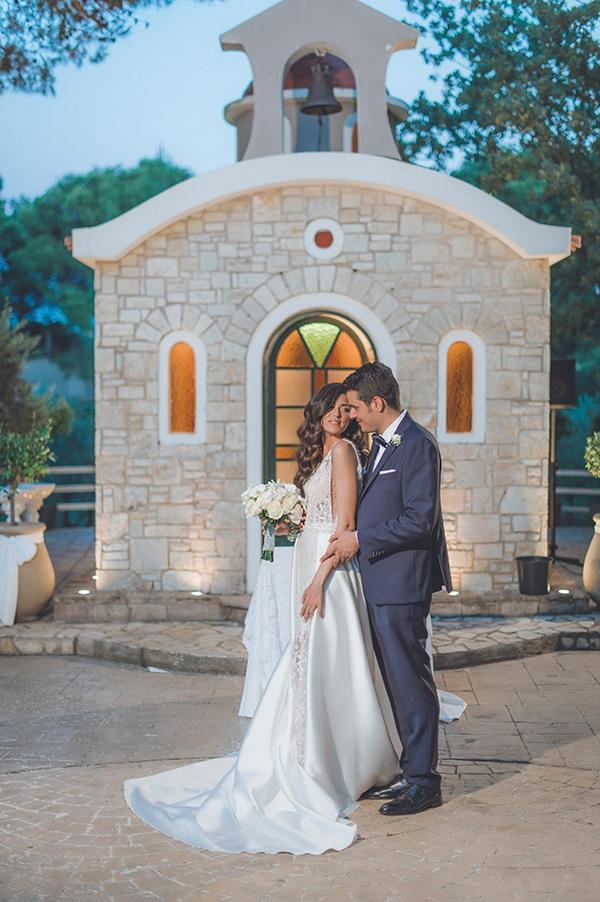 elegant-summer-wedding-hydrangeas-roses-tones-white-pink_01x