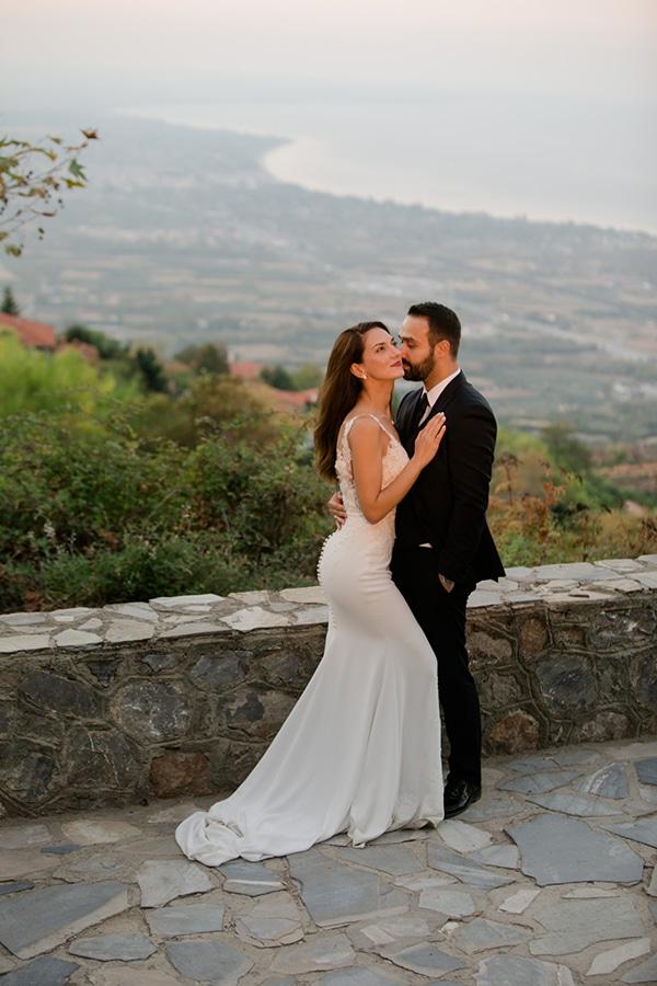 fall-wedding-larisa-baby-breaths-lisianthus_01x