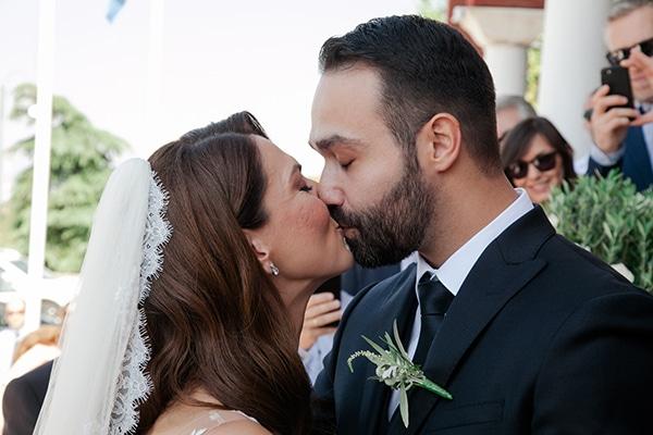 fall-wedding-larisa-baby-breaths-lisianthus_19