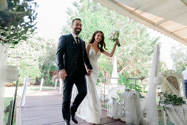 fall-wedding-larisa-baby-breaths-lisianthus_29