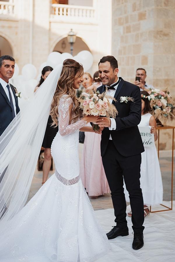 fall-wedding-nicosia-elegant-elements-pastel-tones_21