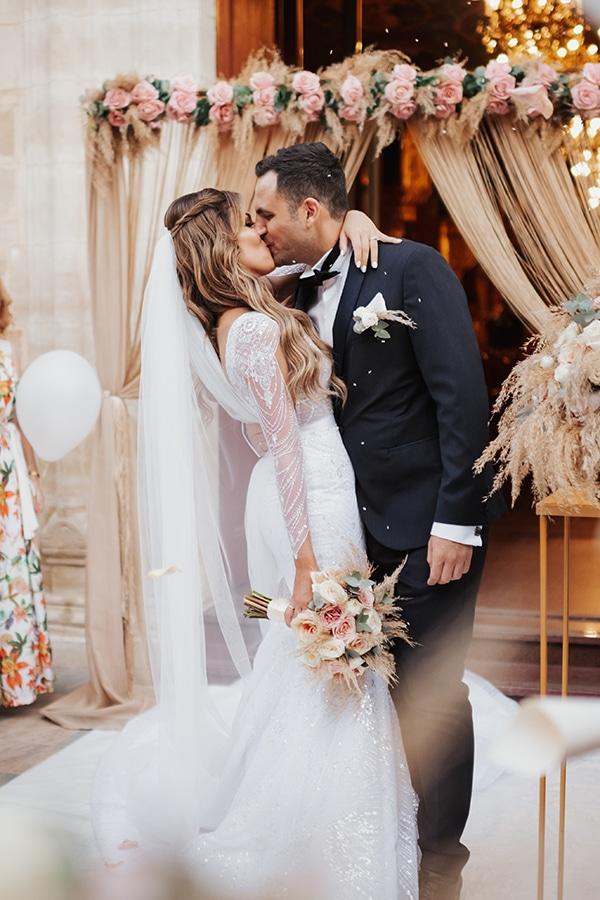 fall-wedding-nicosia-elegant-elements-pastel-tones_24