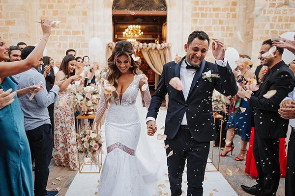 fall-wedding-nicosia-elegant-elements-pastel-tones_25