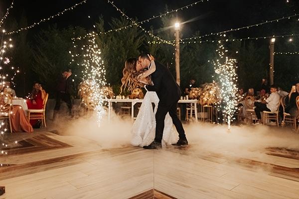 fall-wedding-nicosia-elegant-elements-pastel-tones_38