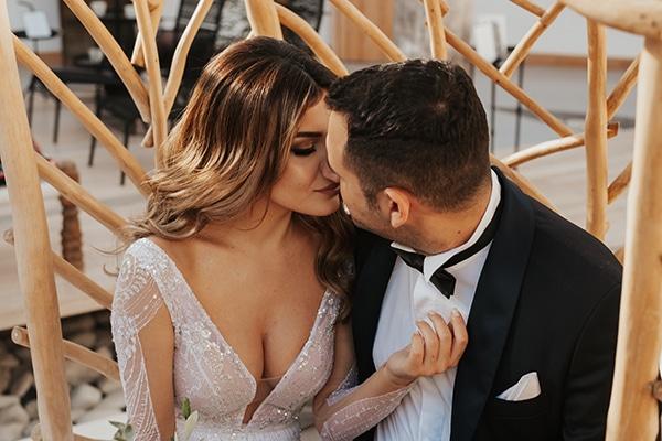 fall-wedding-nicosia-elegant-elements-pastel-tones_42
