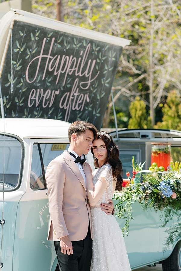 impressive-styled-shoot-romantic-rustic-touches-falirikon-art-and-events_02x