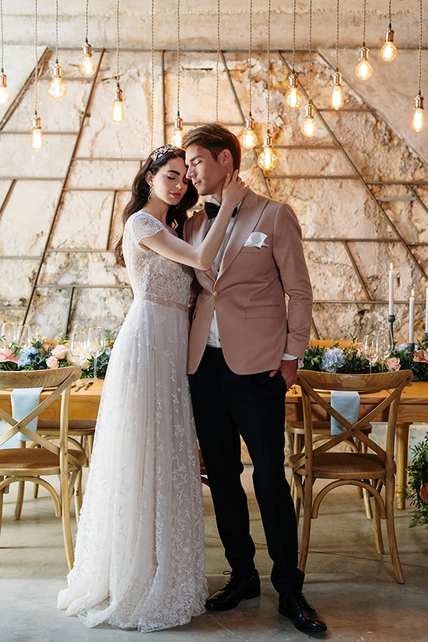 impressive-styled-shoot-romantic-rustic-touches-falirikon-art-and-events_16