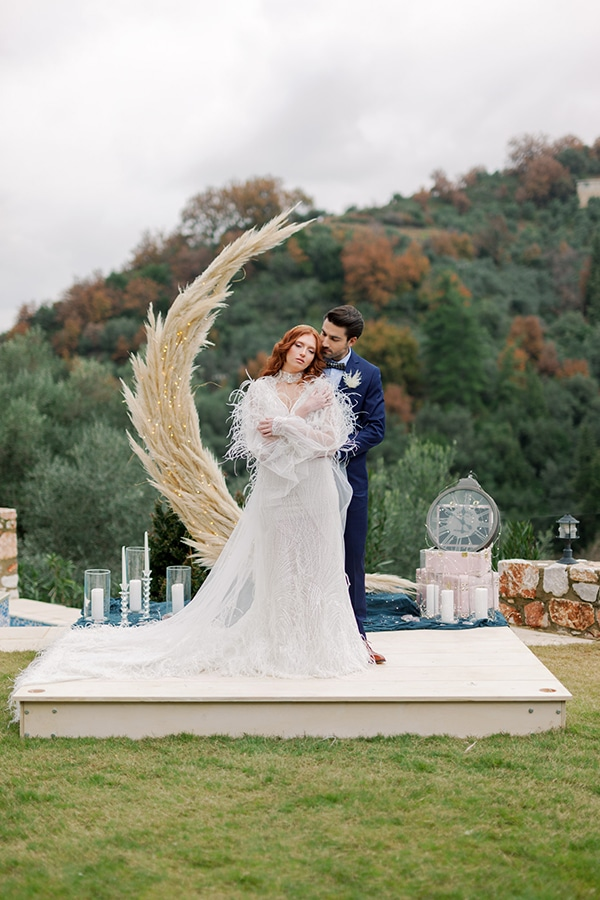 magical-styled-shoot-crete-royal-blue-dusty-pink-hues_01