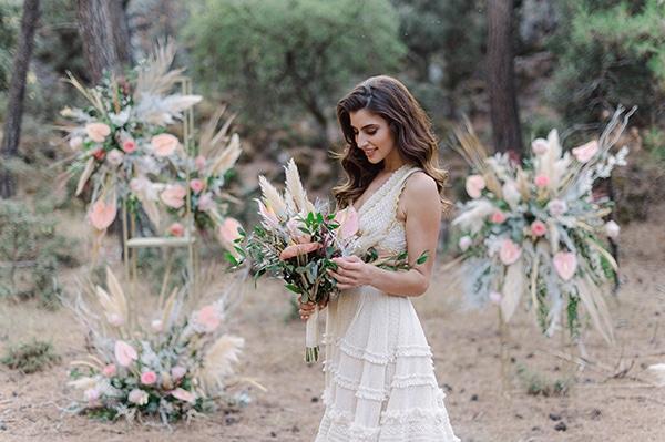 romantic-bohemian-styled-shoot-crete-pampas-grass-lilly_05