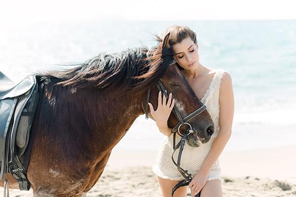 romantic-bohemian-styled-shoot-crete-pampas-grass-lilly_24