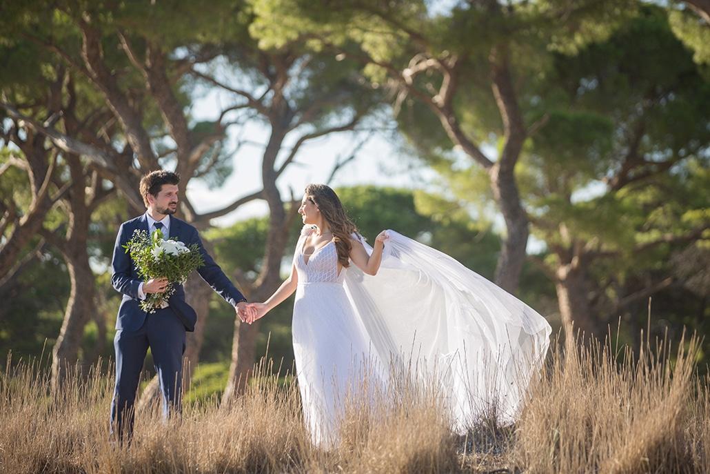 Ρομαντικός φθινοπωρινός γάμος στην Αθήνα με λευκά τριαντάφυλλα και ανεμώνες │ Ελένη & Γιάννης