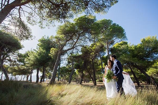 romantic-fall-wedding-athens-white-roses-anemones_03