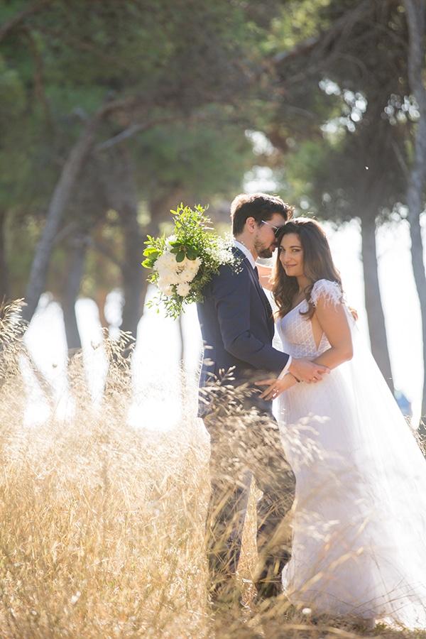 romantic-fall-wedding-athens-white-roses-anemones_03x