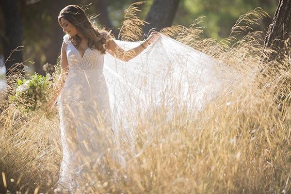 romantic-fall-wedding-athens-white-roses-anemones_04x