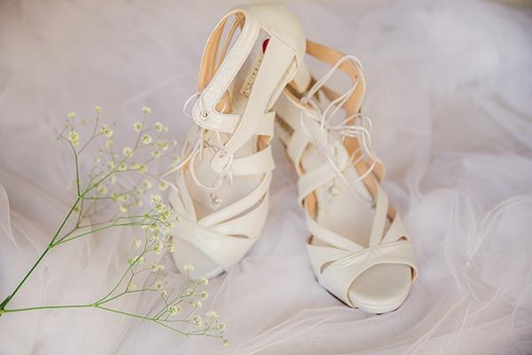 romantic-fall-wedding-athens-white-roses-anemones_06x