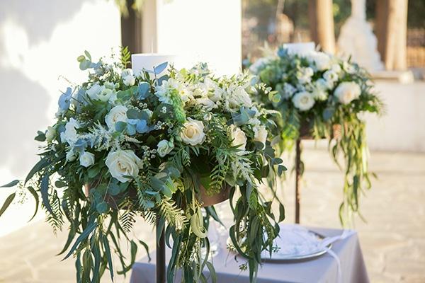 romantic-fall-wedding-athens-white-roses-anemones_14