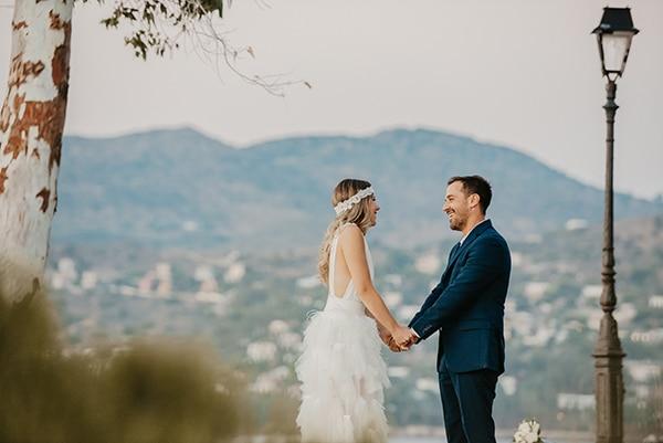 romantic-summer-wedding-aegina-white-roses-eucalyptus_01