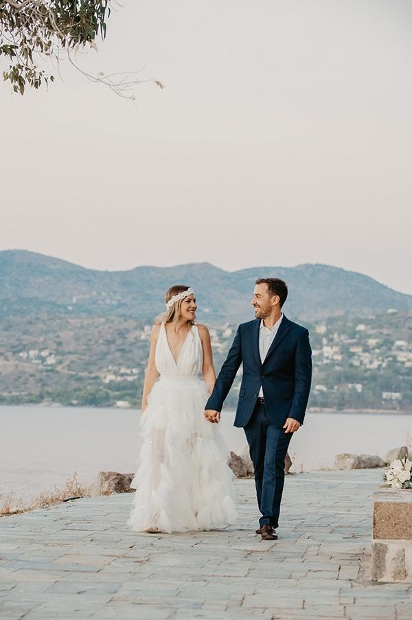 romantic-summer-wedding-aegina-white-roses-eucalyptus_02