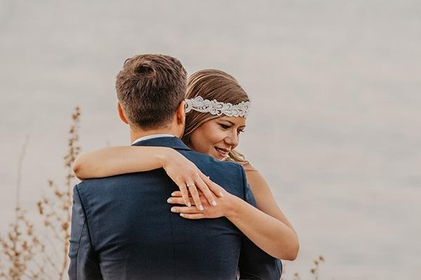 romantic-summer-wedding-aegina-white-roses-eucalyptus_04