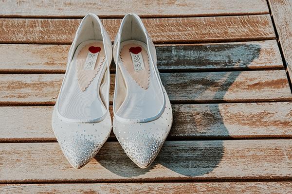 romantic-summer-wedding-aegina-white-roses-eucalyptus_07