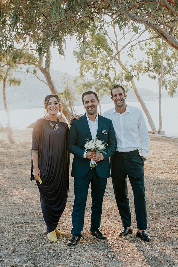 romantic-summer-wedding-aegina-white-roses-eucalyptus_15x