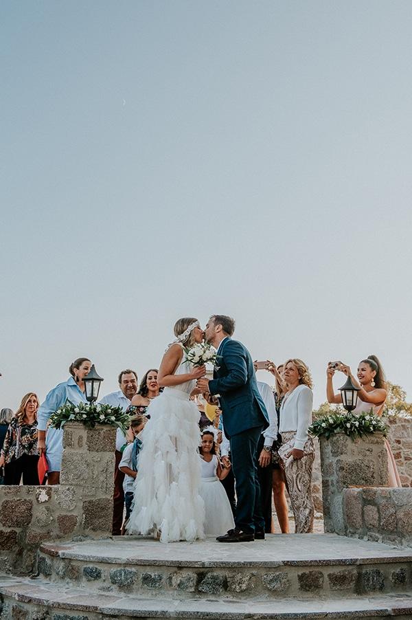 romantic-summer-wedding-aegina-white-roses-eucalyptus_18