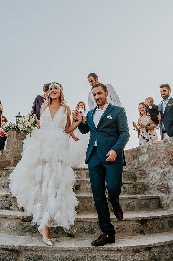 romantic-summer-wedding-aegina-white-roses-eucalyptus_19